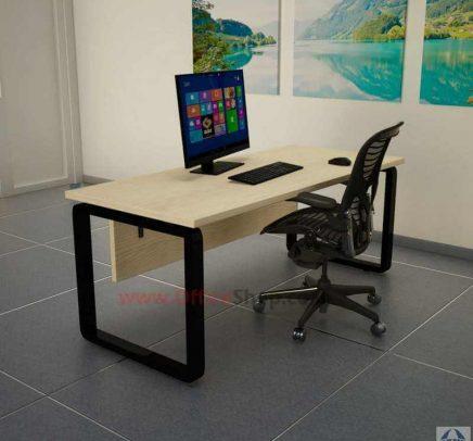 שולחנות עבודה מעוצבים בהתאמה אישית למשרד