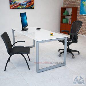 שולחן כתיבה זכוכית אקסטרה קליר בצבע לבן שלג דגם Diamond רגל כסופה