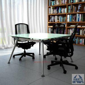 שולחן ישיבות מרובע דגם Spider Glass רגל כרום ניקל זכוכית לבנה