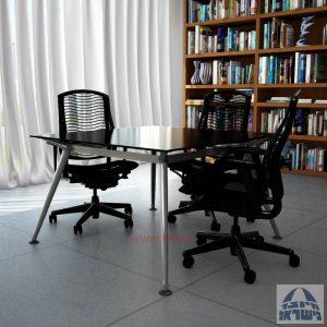 שולחן ישיבות מרובע דגם Spider Glass רגל כרום ניקל זכוכית שחורה