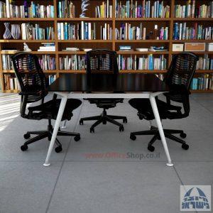 שולחן ישיבות מרובע דגם Spider Glass רגל כסף זכוכית שחורה