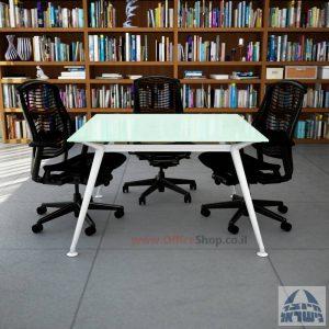 שולחן ישיבות מרובע דגם Spider Glass רגל לבנה זכוכית לבנה
